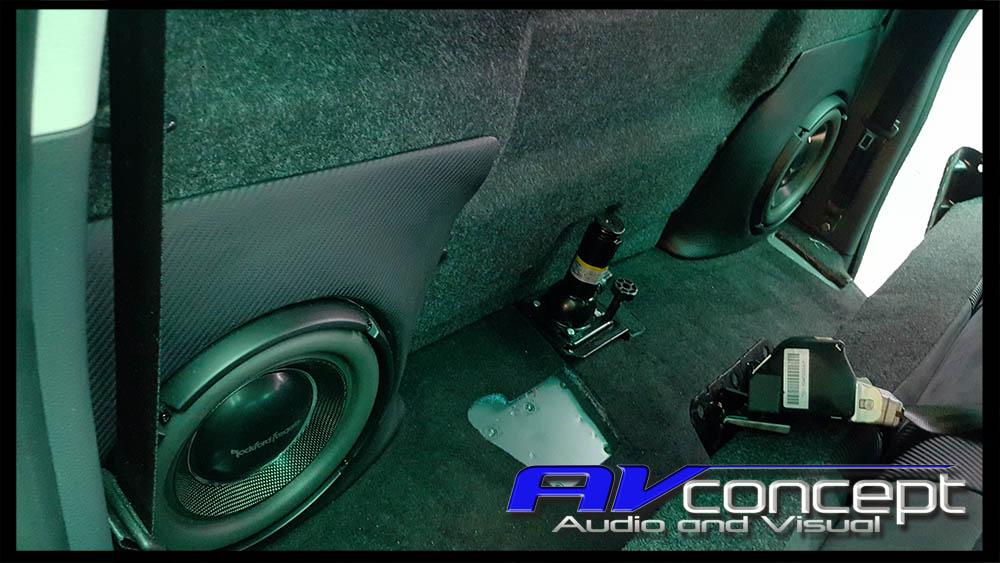 Volkswagen Amarok Stereo Subwoofer Boxes