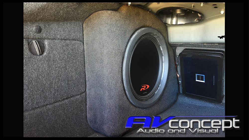 VF Commodore Stereo Subwoofer Solution