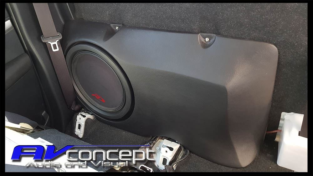 Toyota Hilux Stereo Subwoofer Solution